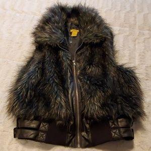 NWOT Daisy faux fur vest